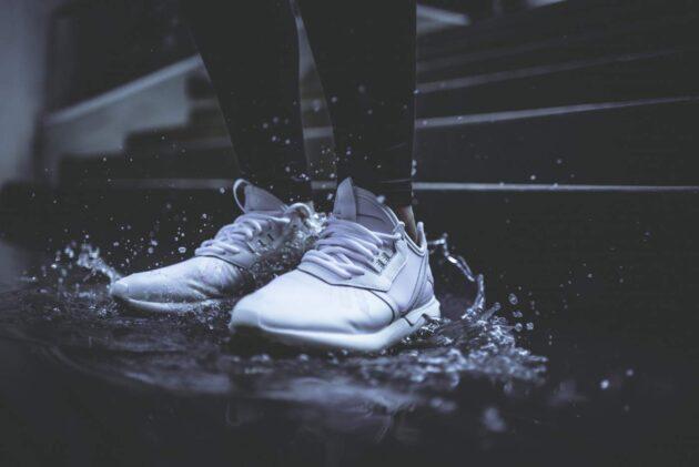 Nano coated white sneakers GoGoNano